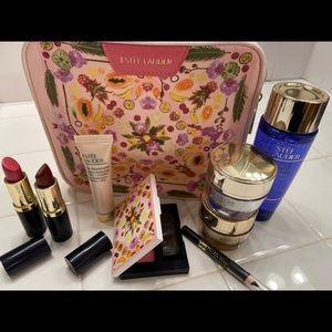 Estée Lauder Botanical Print makeup bag set